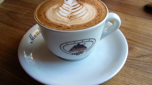 800px-cappuccino_at_lund