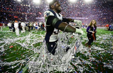 New England Patriots defensive end Chandler Jones (95) celebrates after the NFL Super Bowl XLIX football game  against the Seattle Seahawks Sunday, Feb. 1, 2015, in Glendale, Ariz. The Patriots won the game 28-24. (AP Photo/Ben Margot)