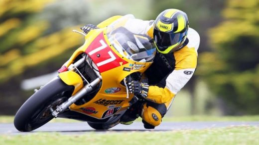 020615-2015-phillip-island-classic-Derek-Brown-Team-UK-633x422
