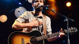 """Passenger Releases Tropical New Tune """"Anywhere"""""""