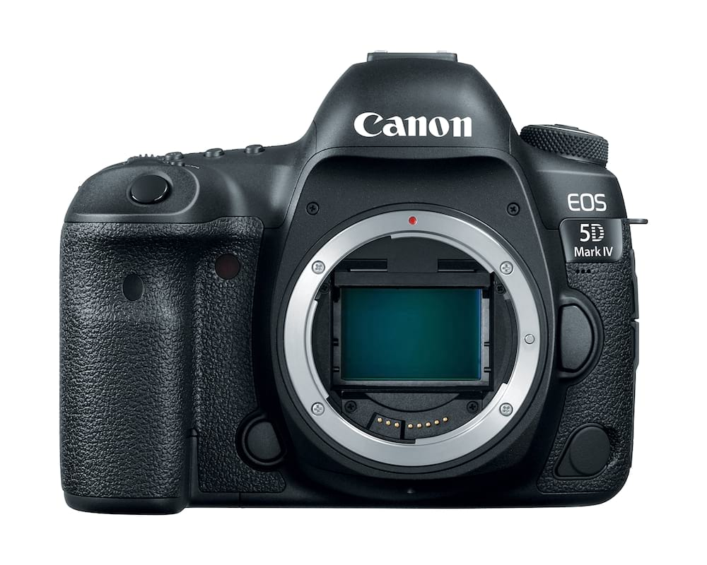 Canon 5D Mark IV Review 1199 EOS 5D MarkIV body front hiRes
