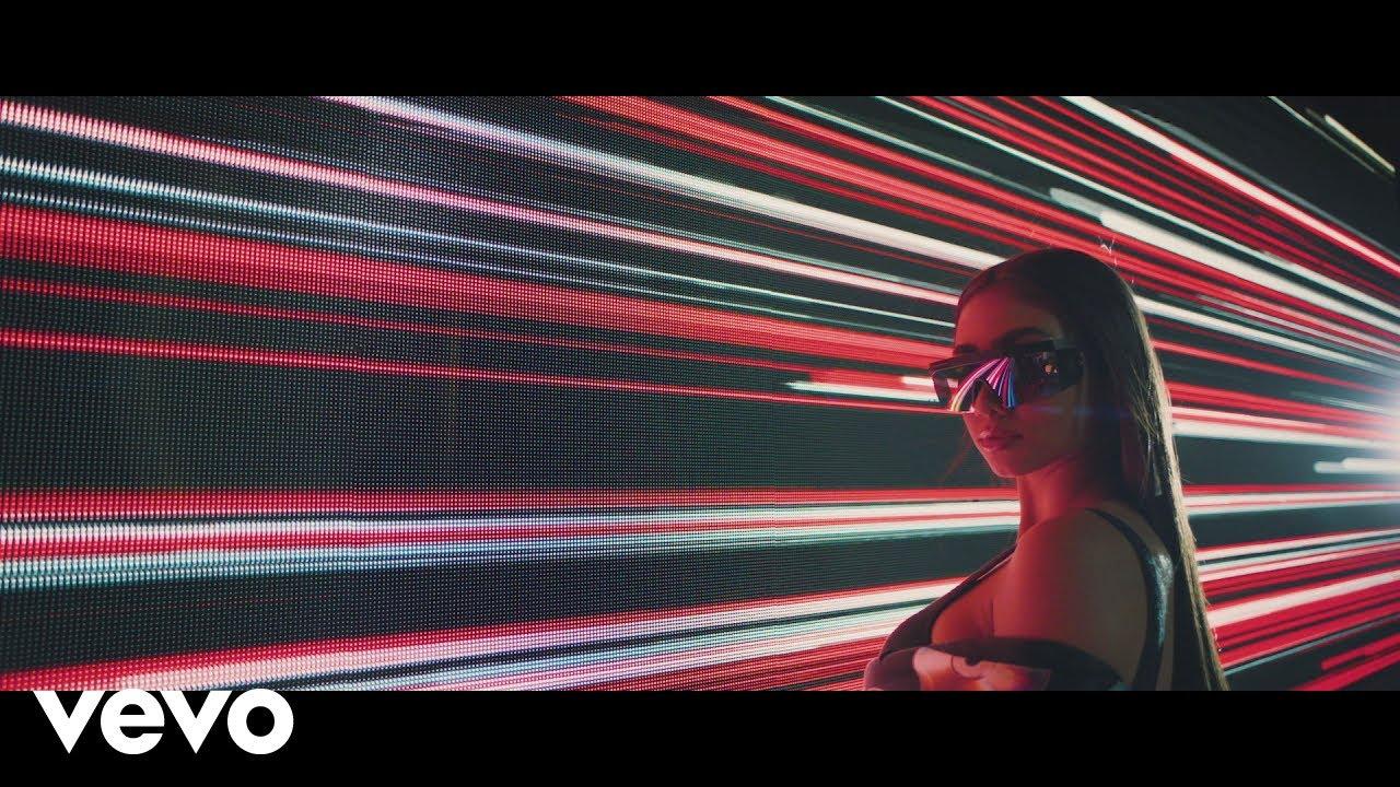 Paloma Mami - No Te Enamores (Official Video)